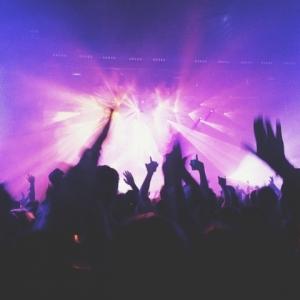 Peticiót adtak be az 500 fő alatti koncertekért! Itt írhatod alá!