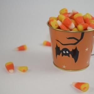 INGYENES Halloween-i jelmezes cukorkagyűjtés!