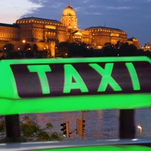 Taxigaléria Budapesten! Taxikban láthatjuk a festők képeit!