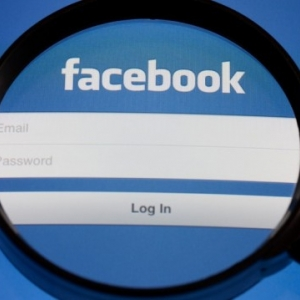 Így fog kinézni a hamarosan megújuló Facebook! KÉP ITT!
