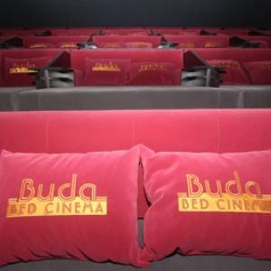Megnyílt a Buda Bed Cinema! Ágymozi Budapesten! Jegyárak és információk itt!