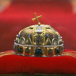 INGYENES a Parlament és Szent Korona-látogatás október egy napján!