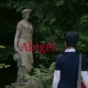 Abigél kiállítás - Próbáld fel Vitay Georgina ruháját, légy Te a Matula diákja! NYERJ 2 JEGYET!