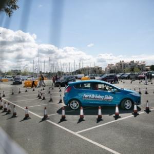 INGYENES vezetéstechnikai tréninget indít a Ford!