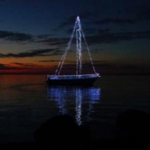 Útra kelt a Fényhajó - Tudd meg mikor jár a Fényvitorlás 2018-ban!