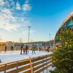 INGYENES jégpálya a Bálna Terasznál 2019-ben is! Nyitvatartás itt!